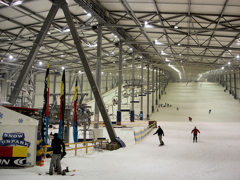 800px-Snowfunpark_Wittenburg1