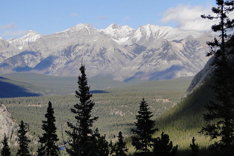 800px-Sulphur_Mountain_Summit_-_Banff_-_Alberta_-_Canada_-_04